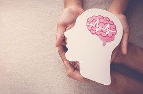 """Sparaliżowany po udarze mężczyzna """"przemówił"""" dzięki nowatorskiej neuroprotezie mowy"""