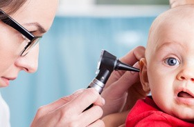 Zapalenie ucha – przyczyny, objawy, leczenie