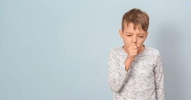 Mokry kaszel u dziecka – przyczyny, objawy, leczenie i domowe sposoby