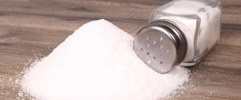 Słone pułapki - 10 produktów i potraw z największą ilością soli