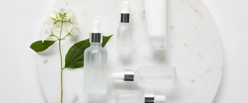 Ceramidy – czym są? Jakie mają właściwości? Dla kogo kosmetyki z ceramidami?