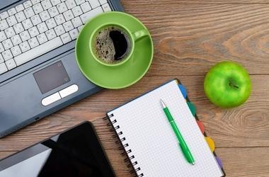 Sposoby na odchudzanie w pracy, czyli jak nie przytyć za biurkiem?