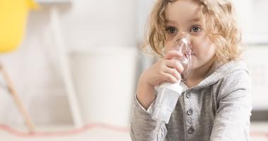 Inhalator – jak wybrać najlepszy? Czym różni się inhalator od nebulizatora?