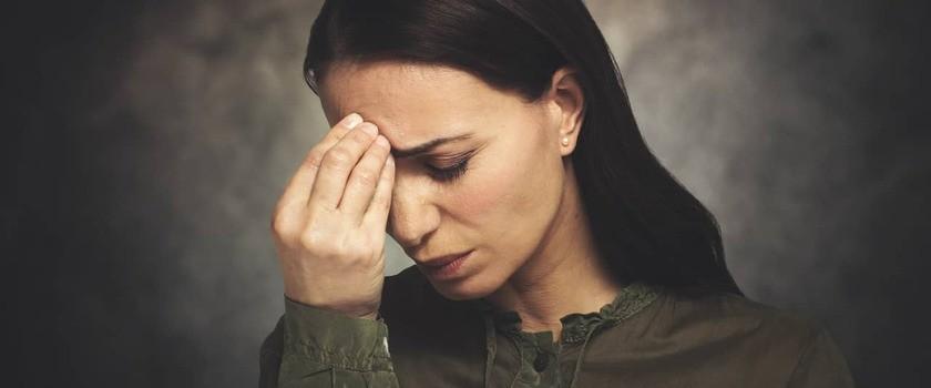 Dieta przy migrenie – co jeść, gdy boli głowa?