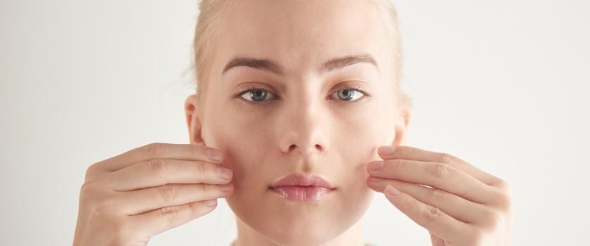 Gimnastyka twarzy — skuteczna terapia przeciwzmarszczkowa