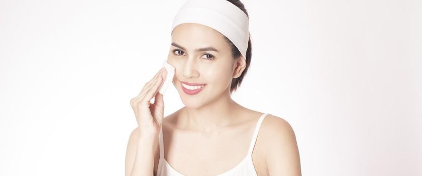 Poranne oczyszczanie twarzy – co musisz wiedzieć