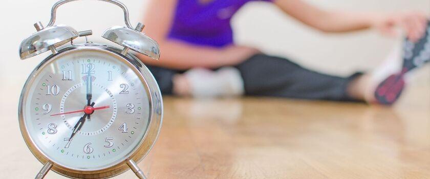 Słyszałam, że ćwicząc rano schudnę szybciej niż podczas wieczornego treningu. Czy to prawda?