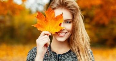 Zabiegi kosmetyczne na jesień i zimę – które wybrać?
