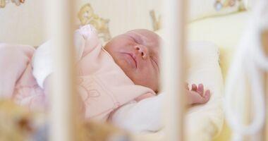 Jak pomóc niemowlęciu zasnąć?