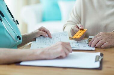 Bezpłatne leki 75+. Jakie przeszkody może napotkać senior?