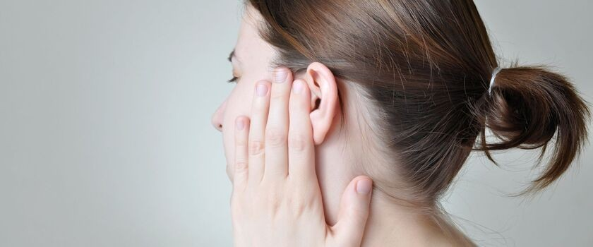 Polak opracował nowatorską metodę leczenia szumów usznych