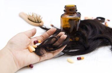 Wypadanie włosów - przyczyny, sposoby i leczenie
