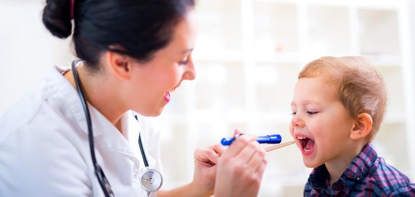 Zapalenie krtani – przyczyny, objawy, leczenie