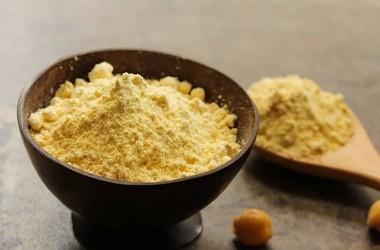 Besan (mąka z ciecierzycy) – właściwości, wartości odżywcze, zastosowanie. Zdrowe przepisy z mąką z cieciorki