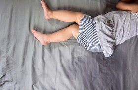 Moczenie nocne – przyczyny i leczenie enurezy u dzieci