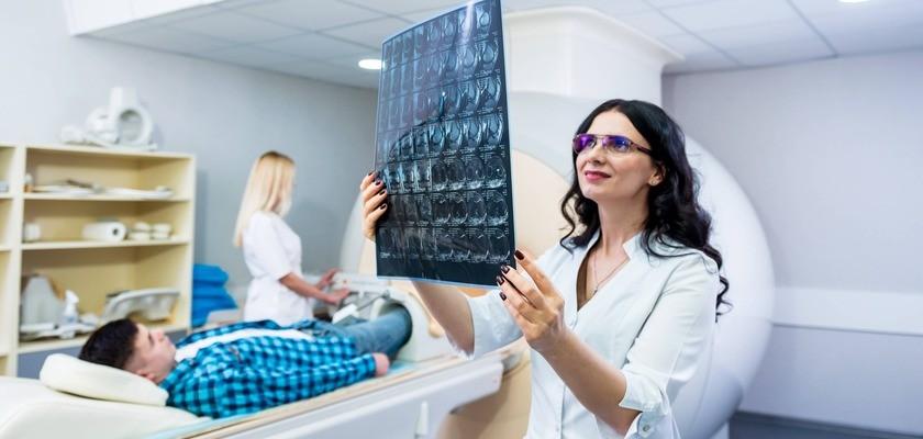 Rezonans magnetyczny (MRI) stawu skokowego – badanie, wskazania, cena i skierowanie na prześwietlenie