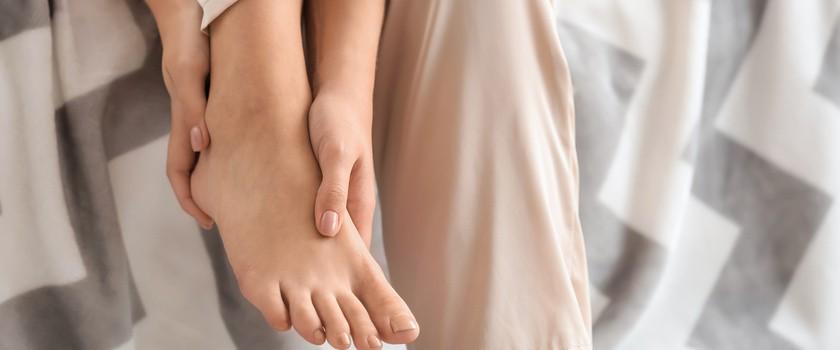Trzeszczka – przyczyny, objawy, leczenie zapalenia i złamania trzeszczki