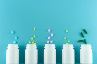 Jakie witaminy suplementować? Ranking najlepiej przyswajalnych witamin