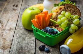 Odpowiedni posiłek do szkoły. Jak zadbać o dietę ucznia?