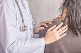 Zamrożony bark – przyczyny, objawy, diagnostyka, leczenie. Rehabilitacja przy zespole zamrożonego barku