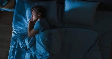 """Czym jest """"coronasomnia""""? Jak pandemia koronawirusa wpływa na jakość snu?"""
