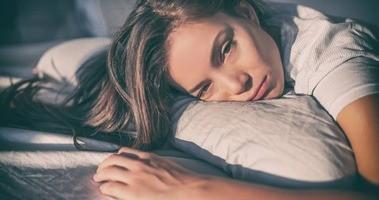 Melatonina – badanie dobowe śliny. Normy, leczenie zaburzeń