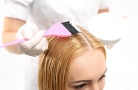 Farbowanie włosów nie zwiększa ryzyka wystąpienia większości nowotworów