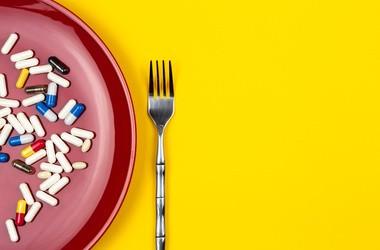 Inhibitory pompy protonowej – dawkowanie i skutki uboczne