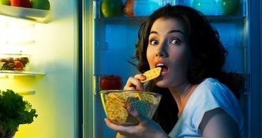 Bezmyślne jedzenie. Dlaczego nie warto podjadać?