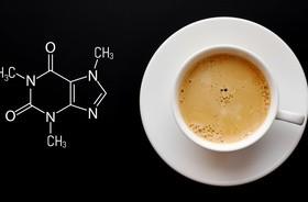 Kofeina pozostaje we krwi na długo