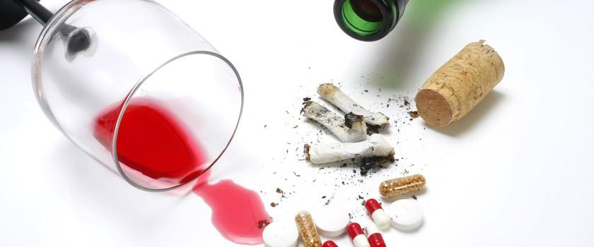 Alkohol i papierosy to fatalna mieszanka dla mózgu