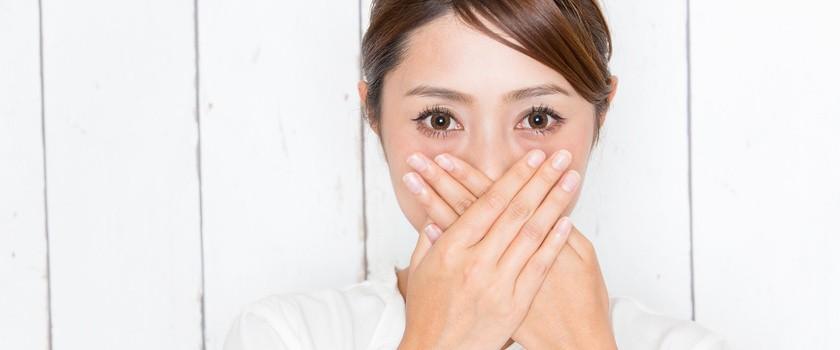 Grzybica jamy ustnej – przyczyny, leczenie i objawy
