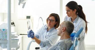 Szkliwiak — objawy, przyczyny i rokowania