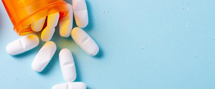 Dieta przy i po antybiotyku – co jeść, a czego unikać podczas antybiotykoterapii?