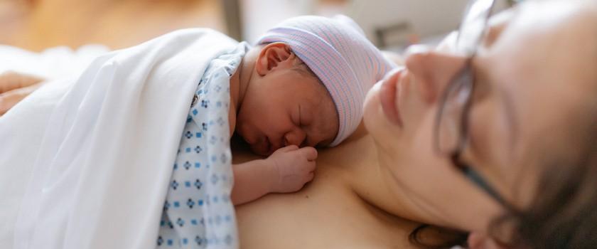 Skala Apgar – na czym polega ocena stanu noworodka wg skali Apgar?
