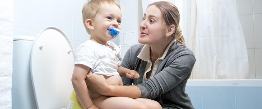 Zatwardzenie u dziecka – przyczyny, leczenie i domowe sposoby na zaparcia u dzieci