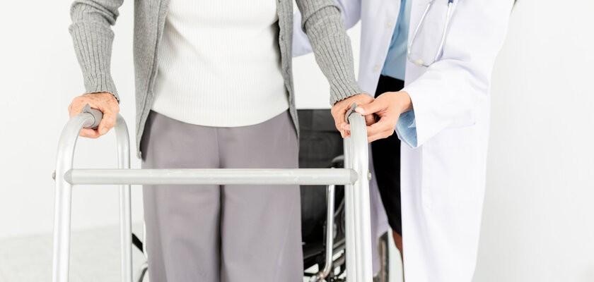 Zaburzenia chodu – rodzaje, przyczyny, leczenie, rehabilitacja