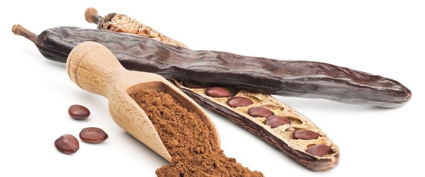 Karob – przepisy i właściwości zamiennika kakao