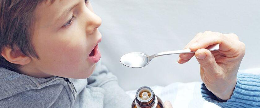 Jak podawać leki dziecku?