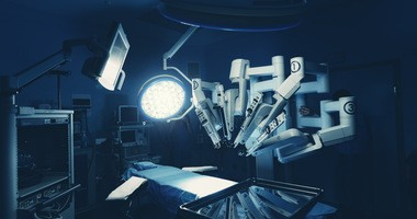 Robotyka medyczna – system chirurgiczny Versius już dostępny Polsce