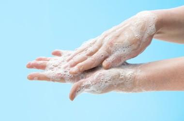 Prawidłowa higiena rąk. Jak, czym i jak długo myć ręce?