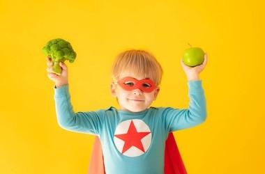 Błędy dietetyczne w żywieniu dzieci – jak ich nie popełniać?