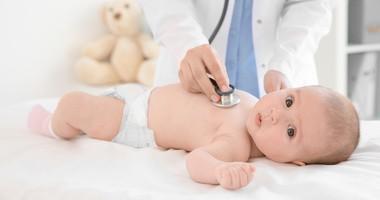 Trzydniówka (rumień nagły) – przyczyny, objawy, leczenie gorączki trzydniowej u dziecka