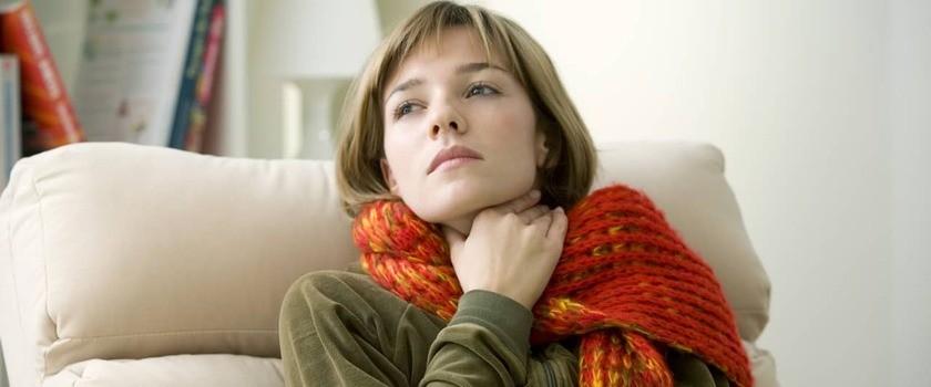Ból gardła – co może oznaczać? Co robić, gdy boli gardło?