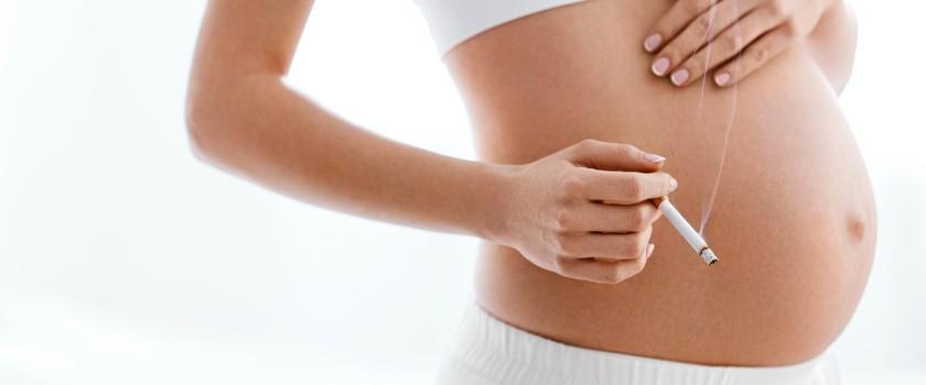 Otyłość i palenie w trakcie ciąży przyczyną zespołu policystycznych jajników u córek