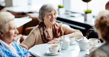 Picie czarnej herbaty pomaga seniorom zachować sprawność umysłu
