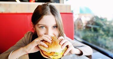 Jak ustrzec dziecko przed żywnością typu fast food?