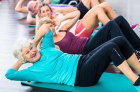 Ćwiczenia dla seniorów – dlaczego warto ćwiczyć? Przykłady ćwiczeń dla seniorów 60+, 70+ i 80+
