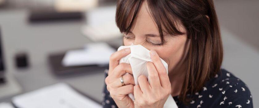 Przechorować w pracy: L4 bierzemy w ostateczności
