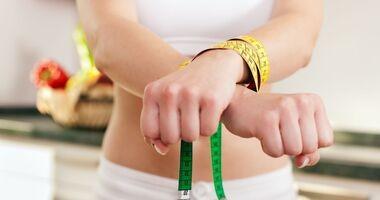 Zaburzenia odżywiania u nastolatek – bulimia i jedzenie kompulsywne